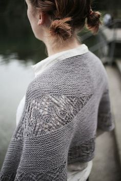 Ravelry: Waiting For Rain pattern by Sylvia Bo Bilvia Such an unusual detail, I love this!