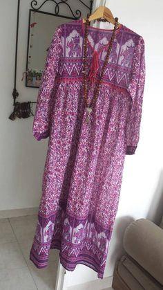 Retrouvez cet article dans ma boutique Etsy https://www.etsy.com/fr/listing/527176919/robe-rose-gaze-de-coton-indien-boheme