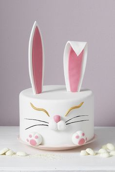 Rabbit easter cake www.panduro.com #DIY #easter