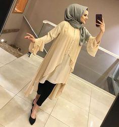 Image may contain: 1 person Hijab Style Dress, Hijab Outfit, Indian Fashion Dresses, Teen Fashion Outfits, Islamic Fashion, Muslim Fashion, Stylish Kurtis Design, Street Hijab Fashion, Modesty Fashion
