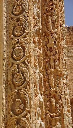 ***Pilastras de la Basílica de Leptis Magna,mármol (h.216).