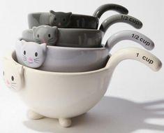 Utensilios de Cozinha: Xicaras e Colheres Medidoras