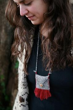 Ravelry: Medicine Pouch pattern by Veronika Jobe What a great idea! Crochet Hooks, Knit Crochet, Knitting Patterns, Crochet Patterns, Pouch Pattern, Free Pattern, Flower Choker, Single Crochet Stitch, Beaded Bags
