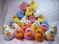 Amigurumi Ducks - Free crochet pattern from Susie Farmgirl: http://susiefarmgirl.blogspot.co.il/2011/01/amigurumi-ducks-free-crochet-pattern.html
