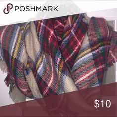 ✨NWOT Soft plaid blanket scarf Full length blanket scarf! Purchased from boutique, never worn since Georgia weather is extremely hot in the winter months😂 Accessories Scarves & Wraps
