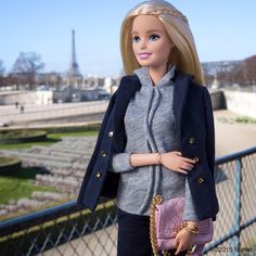 Is this a photo opp, or what? A visit to the Jardin des Tuileries makes for the perfect Paris Fashion Week shot! #HelenaBordon, you were so right.  #pfw #barbie #barbiestyle