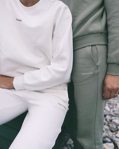 Our Gabby Trouser is new for Holzweiler Pre-Fall 2020. The pants comes in soft cotton and has the Holzweiler logo printed on the side. Perfect to match with our Holzweiler sweat.