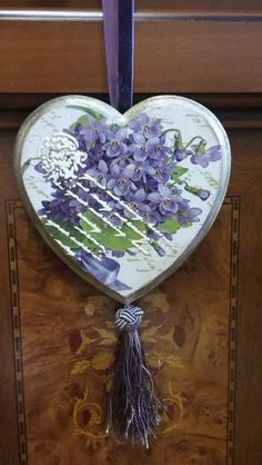 Craft Stick Crafts, Wood Crafts, Diy And Crafts, Paper Crafts, Valentine Crafts For Kids, Valentine Decorations, Valentines, Decoupage Vintage, Heart Crafts