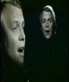 David Soul - Don't Give Up On Us .... lyrics: http://www.lyricsmode.com/lyrics/d/david_soul/dont_give_up_on_us.html .... I still have his record albums.  :D