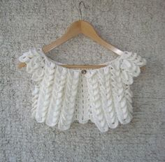 Crocodile stitch shrug cute for a little girl. Inspiration, but so easy lookin! just start doing rows that'd be long enough, make it about 7...