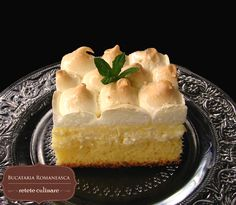 Prajitura cu branza dulce si bezea | Retete de dulciuri | Bucataria Romaneasca Cheesecake, Deserts, Pudding, Pie, Sweets, Food, Cakes, Torte, Cake