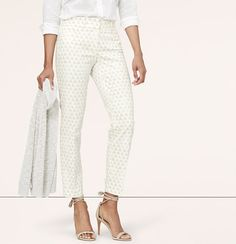 """In a season-perfect cropped silhouette, we're into the mesmerizing pattern of this lightly printed pair. Our curvy fit – your perfect fit if your waist is smaller, but your hips are curvier. Zip fly with hook and bar closure. Belt loops. Front and back besom pockets. 26"""" inseam."""