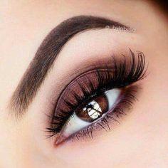 Ojos cafe, maquillaje para ojos oscuros