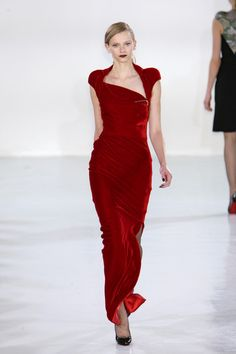 Red velvet gown for Cersei, Antonio Berardi