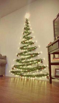 Haz click en la imagen para descubrir tips para adornar tu árbol navideño. Este arbol nos ha enamorado. ¡Es muy creativo! Para más pines como éste visita nuestro tablero. Una cosa más!  > No te olvides de hacer RePin! #arboldenavidad #navidad #arbol #decoracionnavideña