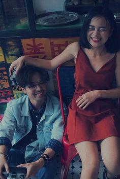 Bộ ảnh HongKong đẹp kèm ảnh gốc và Công thức chỉnh màu Couple Posing, Couple Shoot, Film Photography, Couple Photography, Ulzzang Couple, Pre Wedding Photoshoot, Cute Couples Goals, How To Pose, Beautiful Love
