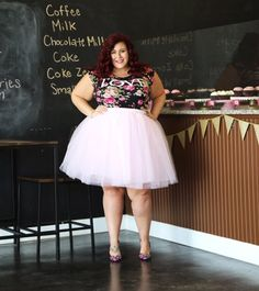Cupcakes and Tulle Galore – Curves, Curls and Clothes