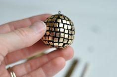 Party favor - DIY disco ball necklaces
