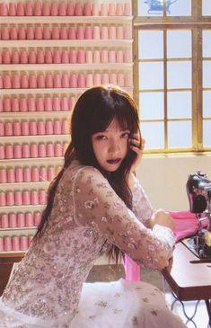 The ReVe Festival Finale photobook Seulgi, Red Velvet Joy, Red Velvet Irene, Black Velvet, Korean Girl, Asian Girl, Asian Woman, Velvet Wallpaper, Red Valvet