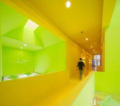 student activity center   http://www.experimenta.es/noticias/arquitectura/bu-sac-4182/