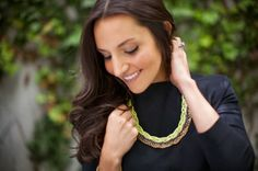 Pretty neon and metallic statement necklace /// 5 DIY Jewelry Projects