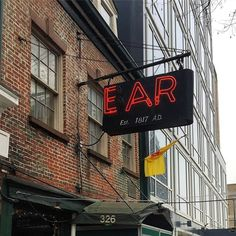 Read about   Ear Inn (200 years old) from Guest of a Guest on March 10, 2017