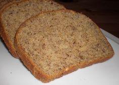 Aus diesen Zutaten hab ich ca. 750g Low Carb Brot bekommen.  Und so geht's:  Die Mandeln und Leinsamen oder Leinsaat im Mixer zu feinem Mehl zerkleinern. Dan