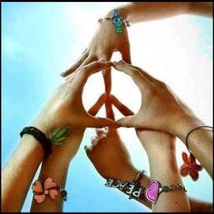 peace ....awesome photo shoot idea for daughter and her 2 best friends. ♥