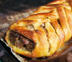 A Nocturnal Beach Picnic, Wine and a Family Recipe - Sausage Plait with Sage and Onion Fodmap Recipes, Diet Recipes, Cooking Recipes, Healthy Recipes, Fodmap Foods, Savoury Recipes, Pastry Recipes, Pork Recipes, Yummy Recipes