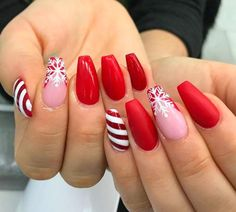 Amazing coffin-red Christmas nails with snowflake and .- Amazing Coffin Red Christmas Nails with Snowflake and Candy Cane Nails! Christmas Gel Nails, Christmas Nail Art Designs, Holiday Nails, Christmas Candy, Snow Nails, Winter Nails, Red Glitter, Acrylic Nail Shapes, Acrylic Nails
