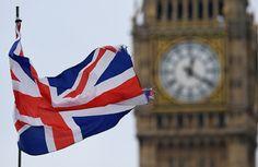 La primera ministra británica, Theresa May, presentó el miércoles los documentos formales para abandonar la Unión Europea, al tiempo que varios activistas protestaron amordazados contra elBrexitante el Parlamento británico – ...