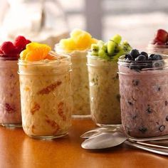 YUMMMM!!!! OVERNIGHT OATMEAL  These are SO good, make them the night before and have a quick healthy breakfast ready to grab and go!! INGREDIENTS 1 container (6 oz) greek yogurt, any flavor 1/4 cup uncooked old-fashioned or quick-cooking oats 1/4 cup fruit (raspberries, blueberries, sliced grapes, mandarin pieces, diced apples )