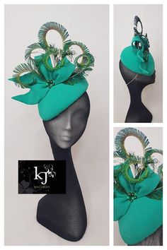 Emerald cap with bow and peacock swords. Sinamay Hats, Millinery Hats, Fascinator Hats, Fascinators, Head Clothing, Kentucky Derby Fascinator, Race Wear, Holiday Hats, Diy Hat