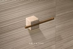 Discover our stylish multi-use brass and natural stone towel rail from the TABL-EAU collection designed by Silvia Fanticelli. Wall Railing, Brass Hook, Bathroom Sets, Bathrooms, Towel Rail, Carrara, Decorative Objects, Bathroom Accessories, Geometric Shapes