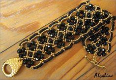 Maroon Bracelet beaded by Sandrine