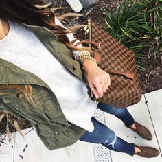 IG: @Alyson_Haley | Click through to shop this look