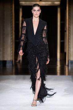 Christian Siriano Spring 2020 Ready-to-Wear Fashion Show Fashion 2020, Runway Fashion, Spring Fashion, Fashion Show, Fashion Design, Women's Fashion, Fashion Brands, Timeless Fashion, High Fashion