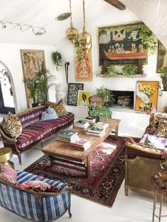60 Gracefulness Bohemian Living Room Design and Decorating Ideas - Boho Living Room Decor Living Room Decor Styles, Home Decor Styles, Living Room Designs, Quirky Living Room Ideas, Quirky Home Decor, Bedroom Styles, Bedroom Designs, Design Seeds, Casa Hipster