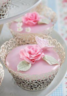 Cakes Haute Couture // porque las flores son el toque perfecto en cualquier elemento.