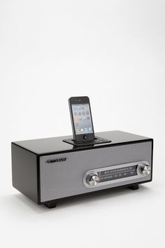 Stereoluxe AM/FM Radio and MP3 Dock - Urban Outfitters