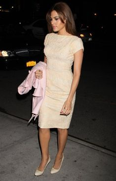 Eva Mendes Cocktail Dress - Eva Mendes sported this cream lace dress with…