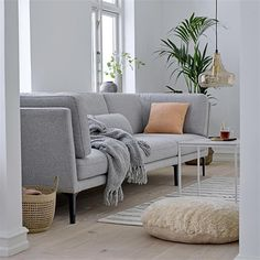 The wonder of the gorgeous ROX sofa – on point with Nordic design and a comfy home setting. Best Carpet, Diy Carpet, Nordic Furniture, Diy Furniture, Sofa, Piece A Vivre, Bedroom Carpet, Scandinavian Home, Furniture Layout