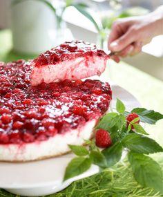 Raw Food Recipes, Sweet Recipes, Cake Recipes, Dessert Recipes, Finnish Recipes, Delicious Desserts, Yummy Food, Scandinavian Food, Sweet Pastries