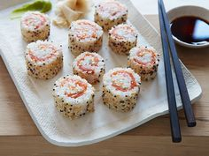 Chopped-inspired Everything Bagel Sushi Rolls #SmokedSalmon #BagelSushi