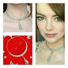 Only jewels in white for the night of Emma Stone in Golden Globes. A vintage diamond necklace by Tiffany&Co. Styled by Petra Flannery.  __________  Sólo joyas en blanco para la noche de Emma Stone en los Globos de Oro. Un collar vintage de diamantes de Tiffany. Estilismo de Petra Flannery. __________  #DeJoyaEnJoya #FromJewelToJewel #GoldenGlobes #GoldenGlobes2017 #tiffany #EmmaStone #BestActress #actress #PetraFlannery #RedCarpet #beauty #PrimerPlano #vintage #VintageJewelry #necklace…