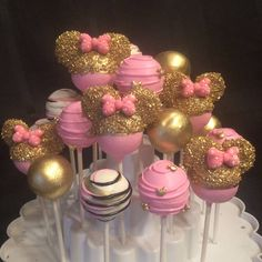 Minnie mouse pink and gold Minnie Maus Cake Pops, Bolo Da Minnie Mouse, Pink Minnie, Mini Mouse Cake Pops, Mickey Cakes, Disney Cake Pops, Minnie Mouse Birthday Decorations, Minnie Mouse 1st Birthday, Minnie Mouse Baby Shower