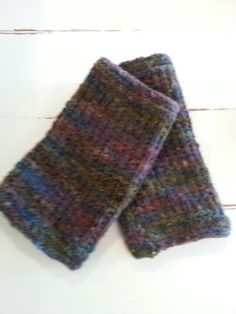 Mountain Meadow fingerless gloves