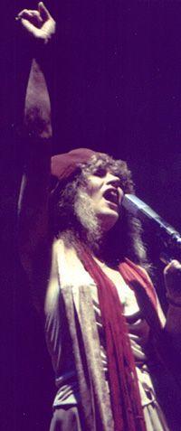 Stevie onstage ~ ☆♥❤♥☆ ~    nailing the song, 1979 ~ 'Tusk' era