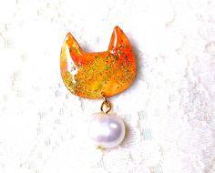 淡水パールとラメの猫型ブローチPオレンジ - アートアンドカントリー