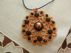Tatted pendant with semiprecious beads